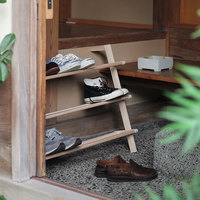 靴が増えすぎて下駄箱がいっぱい!困ったときの玄関収納アイデア・グッズ
