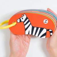大人も子どもも楽しめる。「戸田デザイン研究室」の絵本と玩具