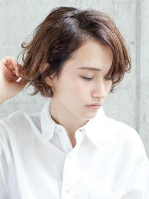 【ショートヘア】いつも同じじゃつまらない! おすすめスタイル&アレンジ♪ | キナリノ