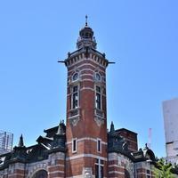 開港の文化が漂う、歴史ある【横浜三塔】と地元ならではの【お土産】を訪ねる旅