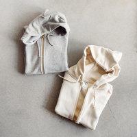 ラフに着られて着回し力◎ シンプルな「無地パーカー」で作るナチュラルコーデ