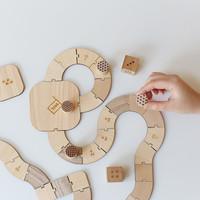 親も子供も楽しめる。「Sukima.」の木製おもちゃ