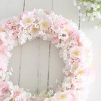 """ミモザやスイートピーなど【春に咲くお花たち】でつくる、可憐な""""春色リース""""の作り方"""