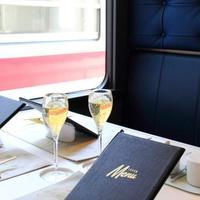 父の日は家族でお出かけへ。日本の絶景と美味しい食事が楽しめる『大人の列車旅』をご紹介