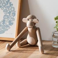 可愛いお猿に仲間が増えたよ。カイ・ボイスンの木製玩具「モンキー」