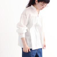 春夏の爽やかコーデに「白トップス」はマスト。アイテム別の着こなしカタログ