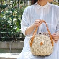 装いに軽やかな季節感をプラス。夏コーデにぴったりな「カゴバッグ」が欲しい