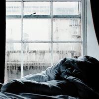 狭いお部屋の『湿気問題』。一人暮らしで今すぐできる【4つの対策法】教えます