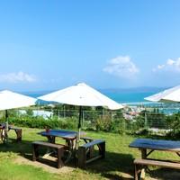 海に入らなくても、海を楽しめる。【沖縄の絶景カフェ】7か所ご紹介!