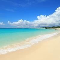 陽射しを浴びて煌めく白砂と透き通る海を求めて~沖縄県でのおすすめビーチ6選~(宮古島編)