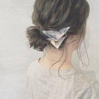 暑い夏はすっきりまとめ髪♪「お団子ヘア・シニヨン」をオシャレに魅せる3ステップ