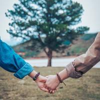 """目指すはホッとできるいい夫婦。何気ない暮らしの中で生まれる""""ちょっぴり幸せ""""の見つけ方"""