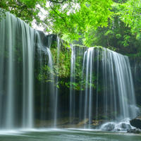 マイナスイオンに癒されたい♪ 涼を感じる全国のおすすめ「滝」スポット12選