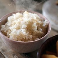 ヘルシーな主食「玄米」のおいしい炊き方、ごはん&おかずのアイデアレシピ