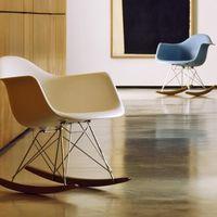 軽やかで曲線的なデザインが魅力 。『ミッド・センチュリー 』インテリア