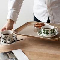 食卓に、インテリアに。暮らしを便利にしてくれる【おぼん・トレイ】活用アイデア