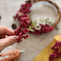 お部屋にシックな秋を飾ろう。「リース&スワッグ」の作り方・デザインアイデア集
