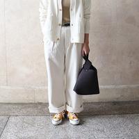 秋冬ファッションをパッと明るく♪「白パンツ」を使ったおしゃれな着こなし