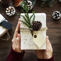"""クリスマスの""""プレゼント交換""""もセンスよく♪【予算別】ギフト案内"""
