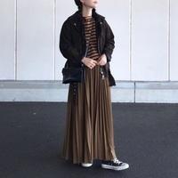 秋冬によく似合う。「プリーツスカート」で楽しむトラッドスタイル