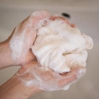 大人ニキビとの付き合い方は?正しい洗顔方法とおすすめアイテム教えます♪