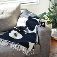 模様替えはちょっと大変…。「ソファ周り」のコーデ術で冬を楽しむ部屋づくり