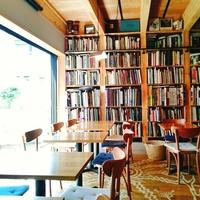 """本に囲まれて""""おいしい読書""""を満喫♪東京都内のおすすめ「ブックカフェ」9選"""