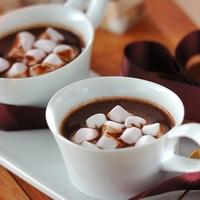 チョコや生クリームの濃厚な甘さ♪心もほんわか温まる「ホットドリンク」レシピ