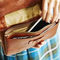 """しっかり入って、かわいく持てる。毎日使いたい""""お財布ショルダー"""""""