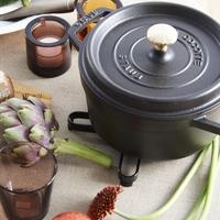 「STAUB(ストウブ)鍋」をわが家にも。おいしさの秘密と選び方