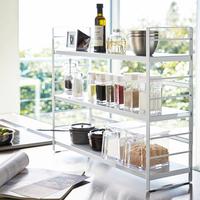 キッチンのスペースをムダなく使う。「収納ラック」活用アイデア