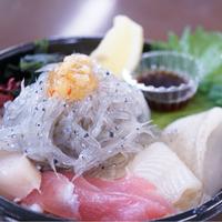 海鮮丼にハンバーガー!美食の宝庫「淡路島」のおすすめランチ情報