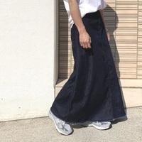 普段パンツ派のあなたも。ロング丈の「デニムスカート」で大人コーデをしてみませんか?
