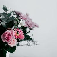 お部屋に潤いと癒しを添えて。心が豊かになる「花暮らし」の始め方