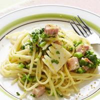 旬の食材たっぷりの「春パスタレシピ」&うららかな季節に似合う「パスタ皿」