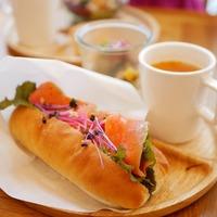 夜ふかしさんも、早起きさんも。渋谷周辺で「パン」モーニングがあるお店