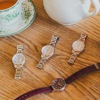 """30代にふさわしい装いを。凛とした女性に欠かせない""""一生モノ""""の腕時計"""