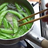 お弁当やサラダに。色鮮やかな【絹さや】の簡単レシピ