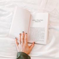 忙しいから本は読めない?いいえ、忙しいからこそ「本を読むべき理由」とは