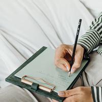 モヤモヤした気持ちを整えたいなら。「手書き」で心を浄化してみませんか?