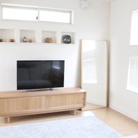 テレビをお部屋になじませるには?『テレビボード』の選び方とレイアウト例