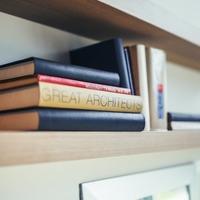 本の収納どうしてる?片付けのコツと本棚の上手な活用方法