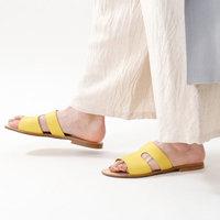 お気に入りのタイプはどれ?夏の爽やかな足元をつくる「サンダルコーデ」徹底解説!