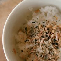 【ふりかけ】でいつものごはんをもっと美味しく♪自家製レシピとおすすめアイテム