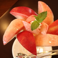 とびきりおいしい朝採り桃がパフェ、ジェラート、パスタに♪農園直営カフェなど8選@山梨県