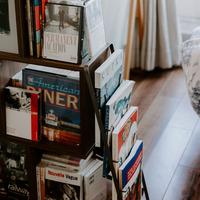 「本のある暮らし」で毎日を豊かに。本棚が素敵なインテリア集