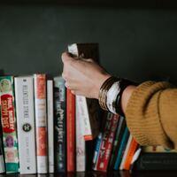 日頃のモヤモヤを「読書」でリフレッシュ!心がふっと軽くなるおすすめの読書法