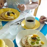 パッと華やか、心が弾む。「北欧食器」で彩るテーブルコーディネート
