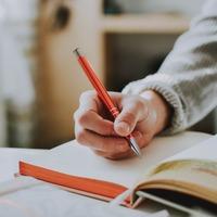 心を整えるシンプルなメソッド。書く瞑想「ジャーナリング」を試してみない?