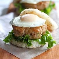 ランチやお弁当に。おいしい「ライスバーガー」をお家で作ろう